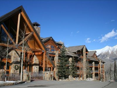 Photo for Luxury 2BR Condo with Stunning Mountain Views