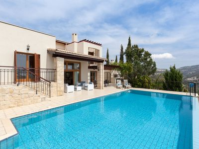 Photo for Luxury and Spacious Villa with Private Pool