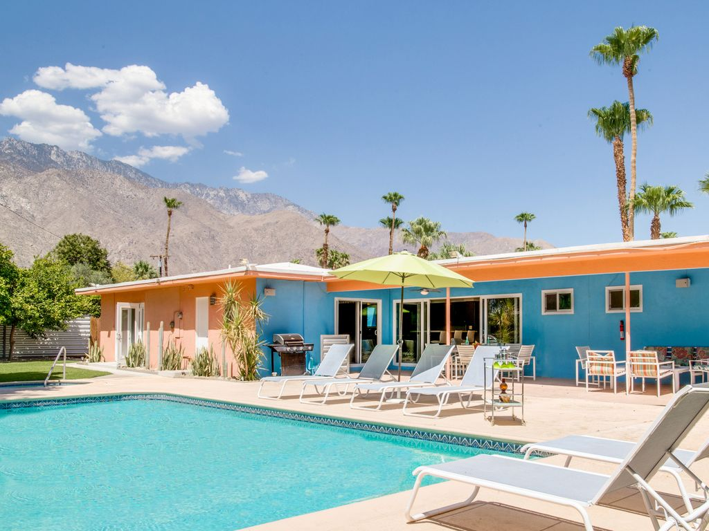 Pink Martini  4 BR  3 BA House in Palm Springs  Sleeps 8. Pink Martini  4 BR  3 BA House in Palm Springs       HomeAway Ruth