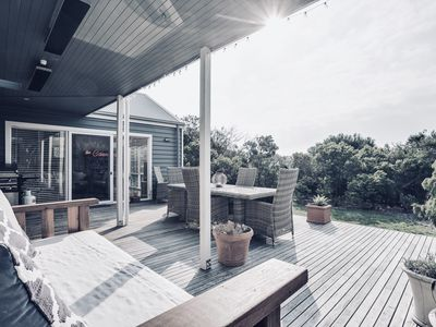 Photo for Coastal Bliss: relax in contemporary style