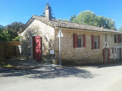Photo for Provencal house full heart of village between Verdon and Sea