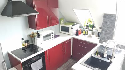 fully-equipped gourmet Kitchen-ovens, stovetop