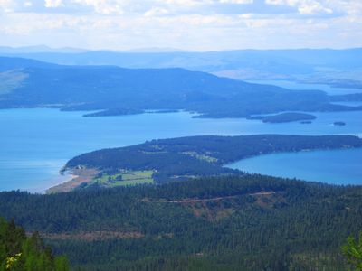 Birdseye view of Finley Point and the rental location.  A place you can hike to.