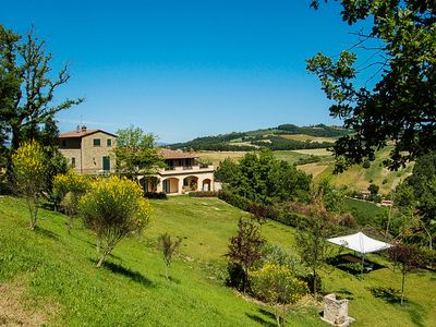 Photo for Detached villa with private indoor & outdoor pool, gym, billiard in Umbria