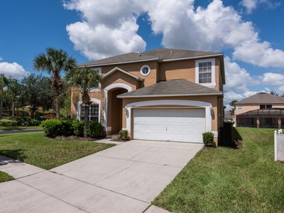 Photo for Luxury on a budget - Emerald Island Resort - Feature Packed Cozy 7 Beds 4 Baths Villa - 3 Miles To Disney