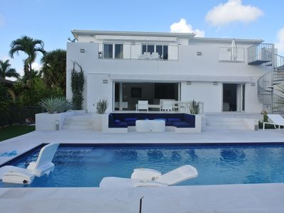 Photo for Contemporary house on the water