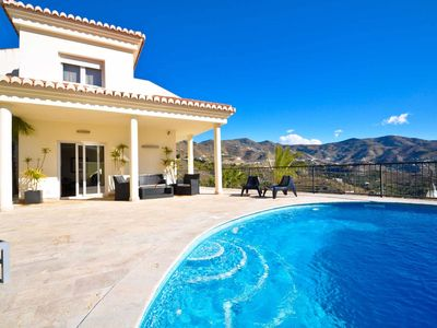 Photo for Luxury villa with pool and jacuzzi, BBQ area and stunning views