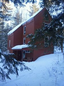 Great Stowe location. Close to Town & Mountain. Luxurious. King Bed,Sauna,Wifi.