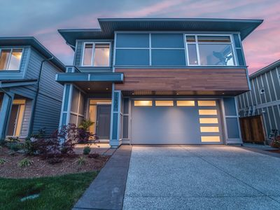 Photo for Brand New Luxurious Family Friendly Home at New Entrance to Bear Mountain