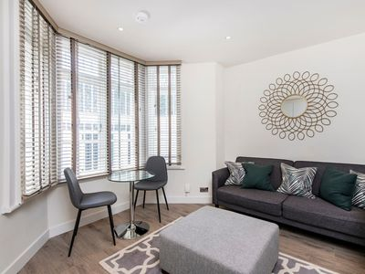 Photo for Stylish 1 bed in Fashionable Chelsea