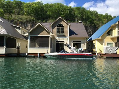 Photo for Beautiful Norris Lake Floating house property. New rental 3 bedroom, 2 bathroom.