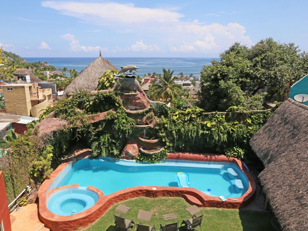 Town Center Ocean Views, Private Swimming Pool, Jungle Oasis - Sayulita