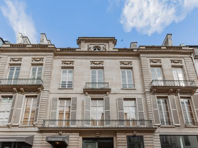 Photo for Luxury apartment in the 9th arrondissement of Paris (Drouot, Opera, Louvre area)