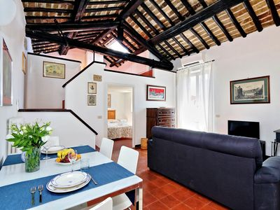 Rome, near Piazza Navona, characteristic apartment for 6 people