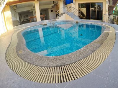 Photo for 3 Bedroom Luxury Pool Access Apartment