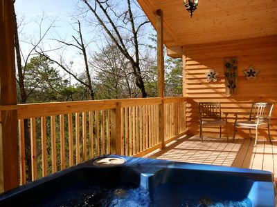 Over $700 in FREE TICKETS, Secluded Cabin, Hot Tub, Heart Jacuzzi, Internet, Gatlinburg, Pigeon Fg