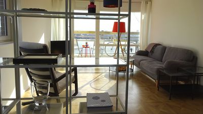 Photo for Beautiful modern apartment short walk from The Tower of London