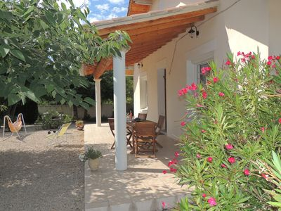 Photo for Detached villa near the Mont Ventoux holiday in Carpentras is 3 Clées
