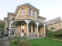 A wonderful opportunity to stay in a spacious Victorian villa in a lovely setting.
