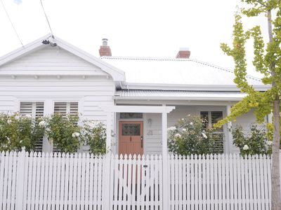 Photo for WHITE COTTAGE - Luxe 3 Bedroom Guest House (sleeps 6) - Family Friendly