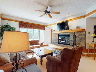 Photo for Beautiful home w/ wood-burning fireplace, shared hot tub/pools - close to lifts!