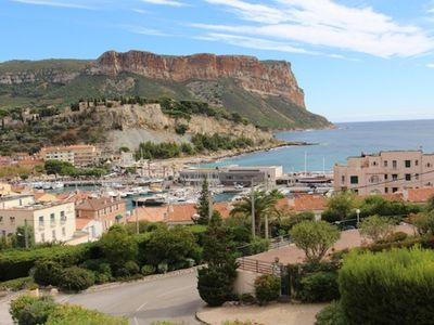 Photo for 1BR Apartment Vacation Rental in Cassis