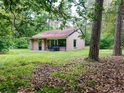 Photo for 6-person bungalow in the holiday park Landal Rabbit Hill - in the woods/woodland setting