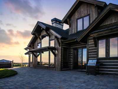 Photo for Stunning BRAND NEW vacation lodge— Yellowstone, Mesa Falls, Henry's Fork