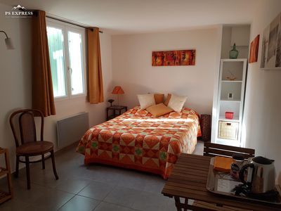 Photo for Independent room in the heart of Provence Verte