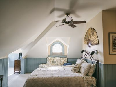 Photo for Tilghman Island Room - Deluxe Quad Room with Turret Sitting Room