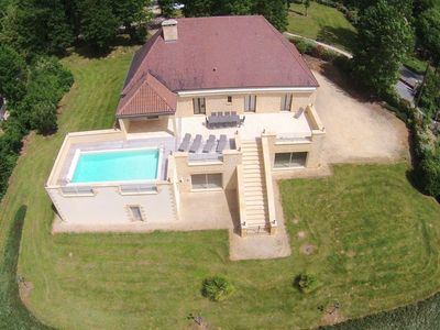 Photo for Charming stone villa with pool near SARLAT
