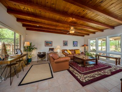 This private home is close to downtown, UofA, shopping, Hospitals, recreation