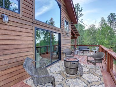 Photo for Yeti Hideout - new family cabin with private hot tub, fire pit and shared pool!