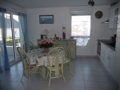 Photo for Apartment full of charm, at the foot of a stretch of sea water, close to shops.