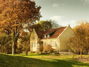 Historic rectory on the Elbe dike, 3 stylish apartments - Pfarrhaus Mödlich - Wohnung  Teich
