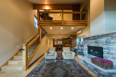 This custom ski house has 3 bedrooms and 2 bathrooms in a prime Park City location