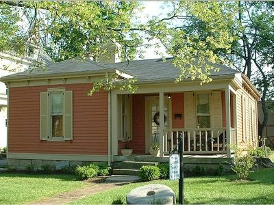 Photo for Millstone Cottage, 2 BR/1 BA/Patio- Downtown