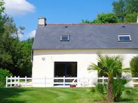 Spacious modern gite close to seaside villages.
