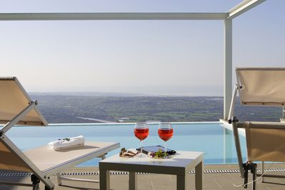 Fly Home Sicily - Villa Afrodite with scenic pool and jawdropping views - Ragusa