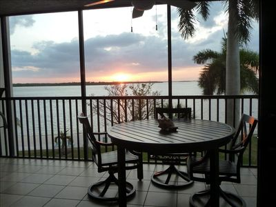 Photo for Bay View Tower #237 - Sanibel Harbour Resort