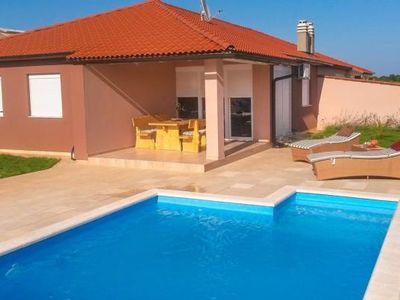 Photo for Holiday house Pula for 4 - 6 persons with 3 bedrooms - Holiday house