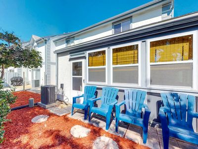 Photo for NEW LISTING! Cozy condo w/shared pools, tennis & nearby beach access