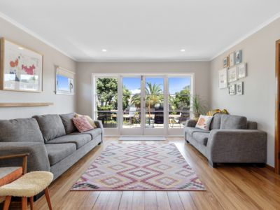Photo for Central Mount Sunny Home - Newly renovated to very high standard