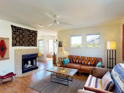 Photo for Catalina Foothills condo w/ balcony, great view & shared pool, hot tub & tennis!