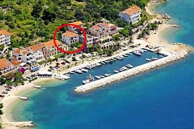Photo for Apartment Vacation Rental in Podgora