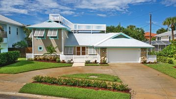 Beach Park Village, Cape Canaveral, FL, USA