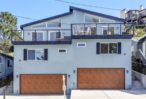 Photo for 4BR Townhome Vacation Rental in Pacifica, California