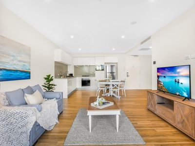 Photo for Sun Drenched Apartment in the Heart of Surfers