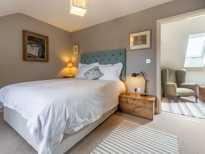 Photo for Kitty Coot is a laid back, stylish cottage with gorgeous sea views.