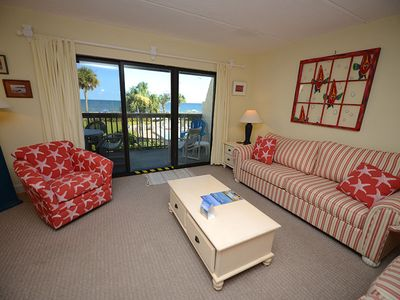 Photo for SOAK UP THE sun's rays and the gentle gulf breezes on the patio of this delightful town home.